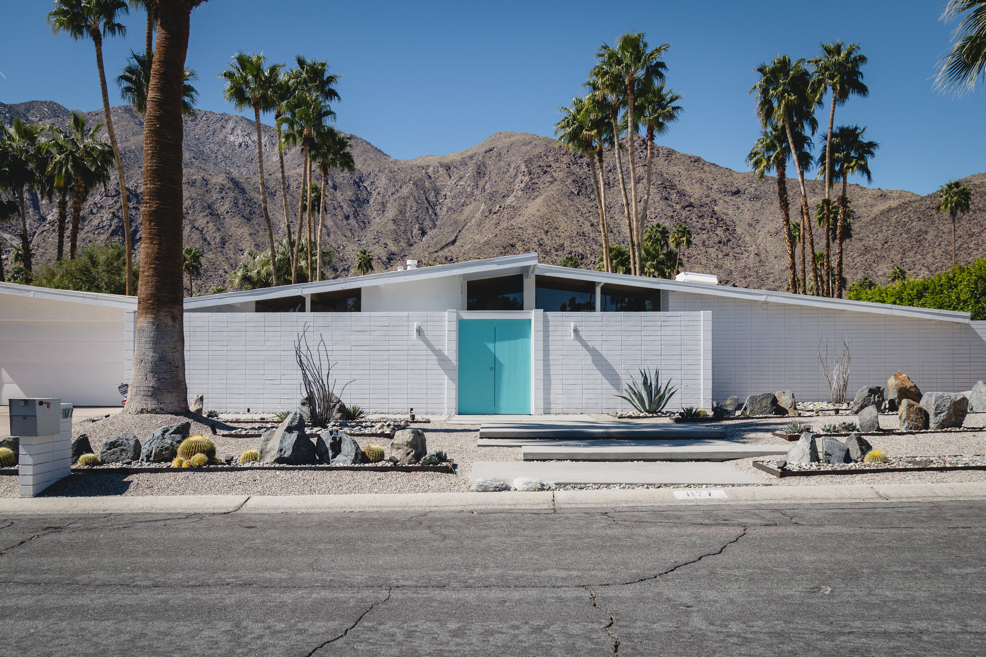 Mid-century modern homes in Palm Springs