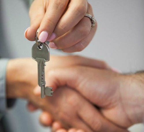 Palm Springs Homebuyers Receive Their Keys